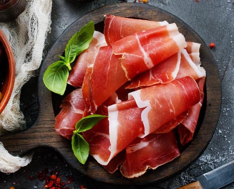jamón o presunto espanhol. culinaria tipica da espanha