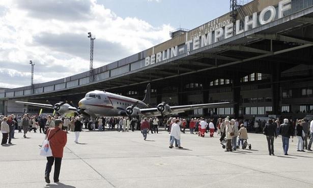 Aeroporto Tempelhof na  Alemanha transformado em parque publico