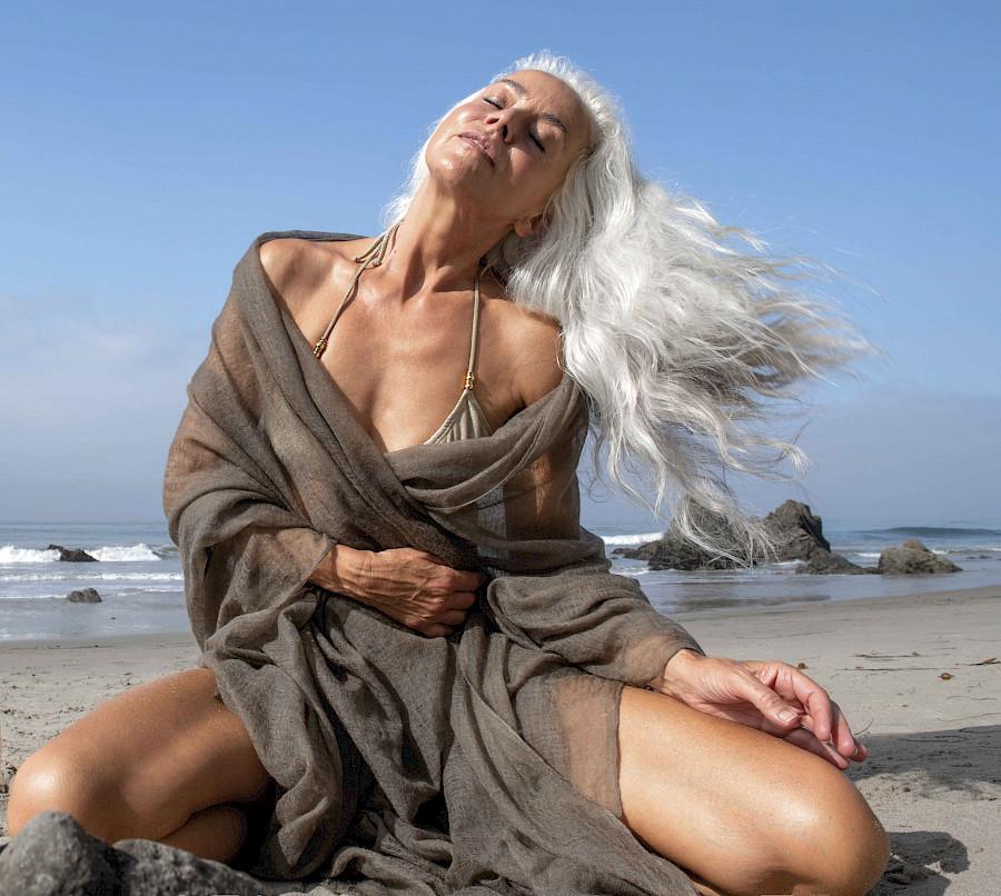 Yazemeenah Rossi modelo aos 60 anos