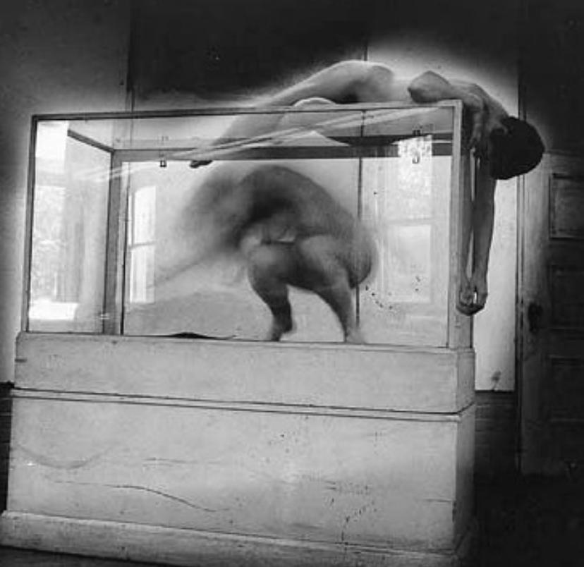 Francesca Woodman e as fotografias da angustia
