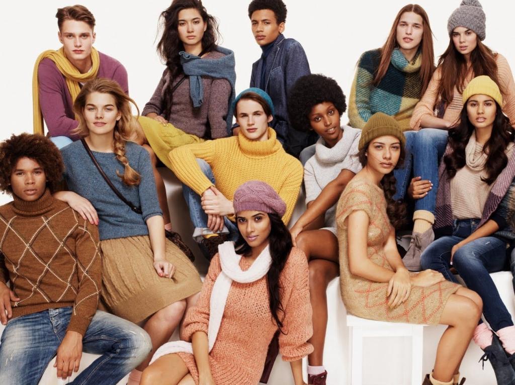 campanha publicitaria de moda da marca benetton com modelos de diversas etinias