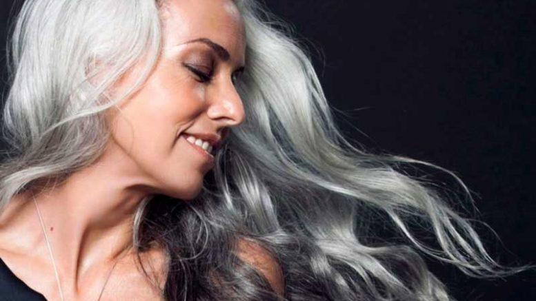 Yazemeenah Rossi - Modelo aos 60 anos